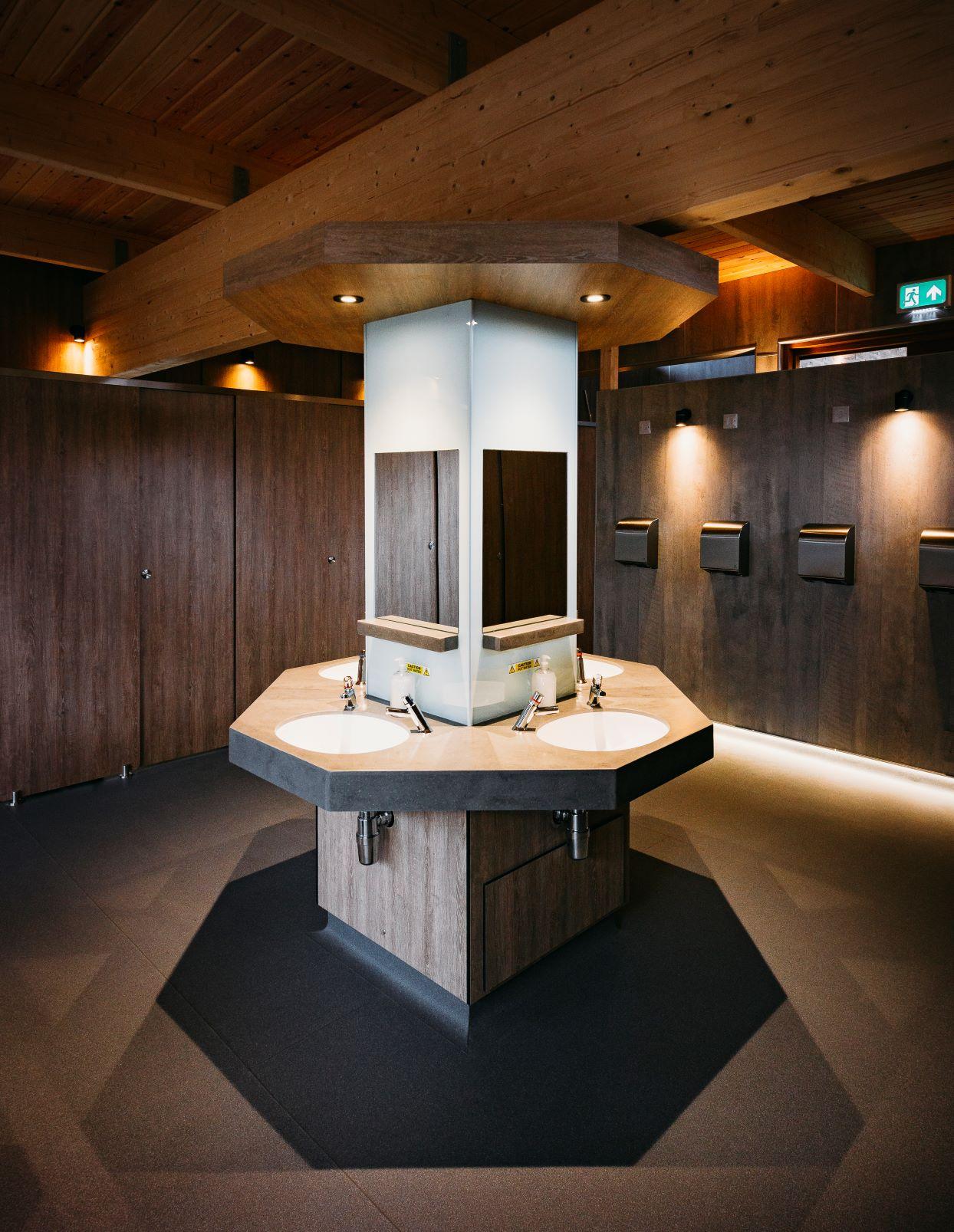 Washbasins new shower complex